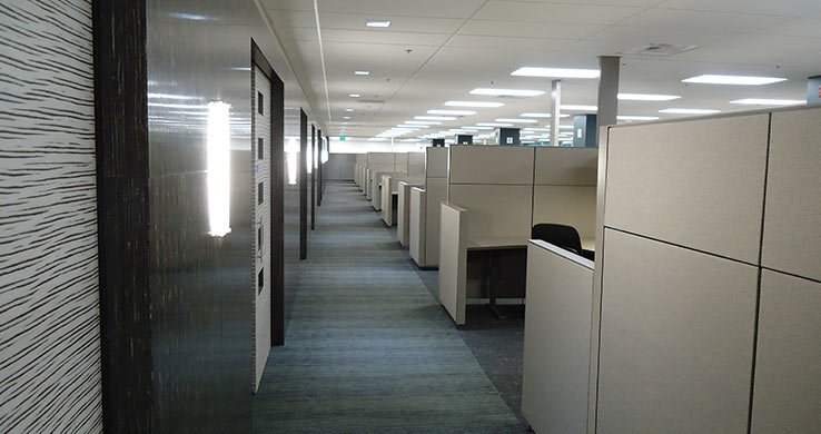 Boeing 2-25 Workstation corridor